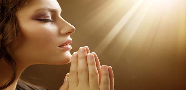 woman praying for her boaz